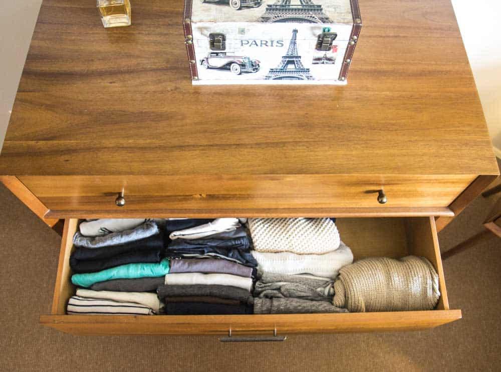 Organizing my Clothes the KonMari Way