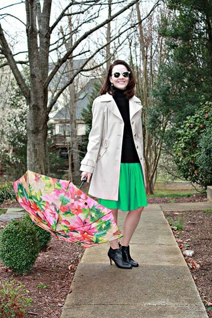 25 Cute Spring Outfits for Women Over 40 16