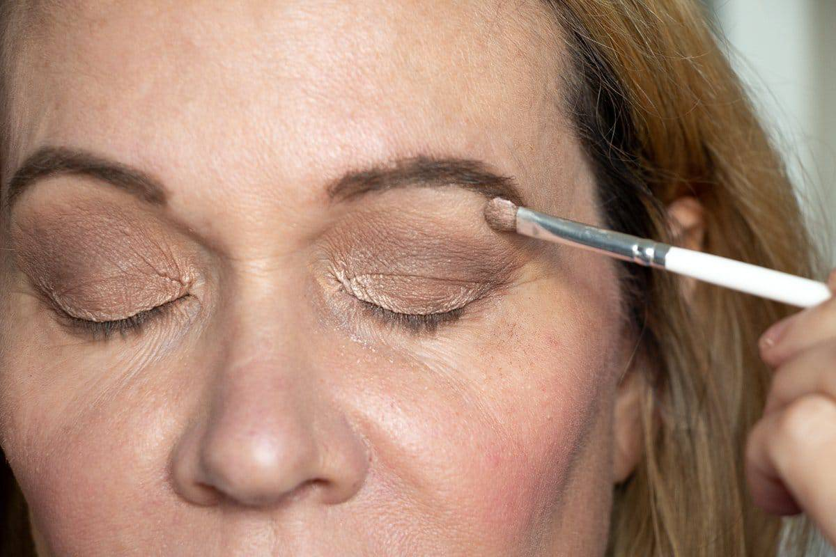 Step-by-Step Hooded Eye Makeup Tutorial That's Perfect for Women over 40 7