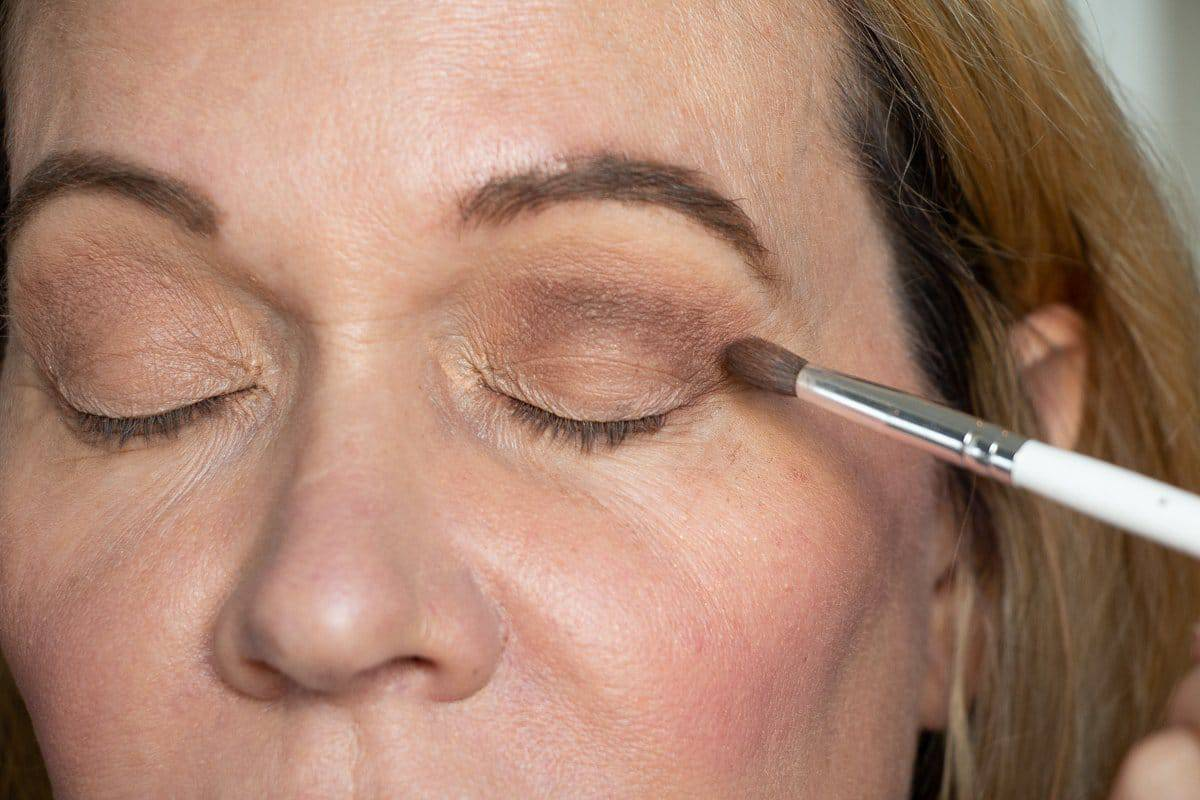 How to Master Your Eye Makeup for Hooded Eyes 15