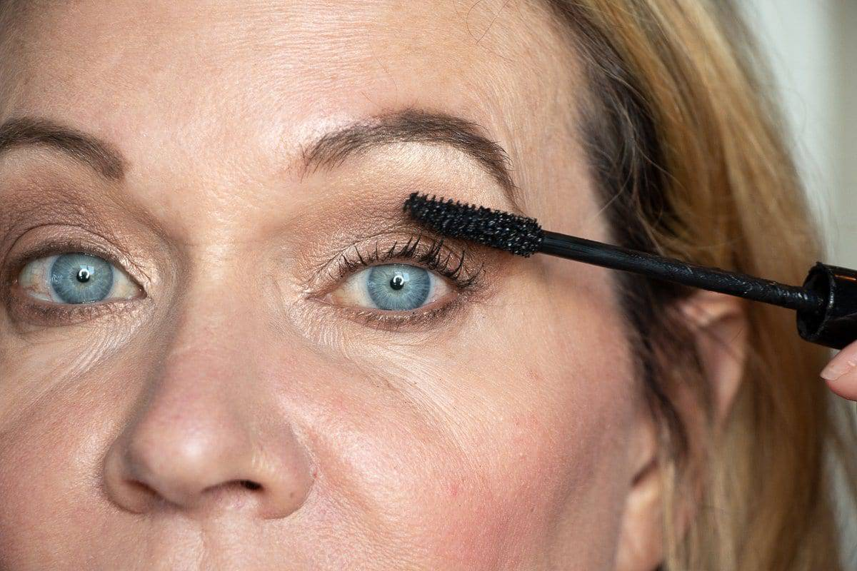 Step-by-Step Hooded Eye Makeup Tutorial That's Perfect for Women over 40 9