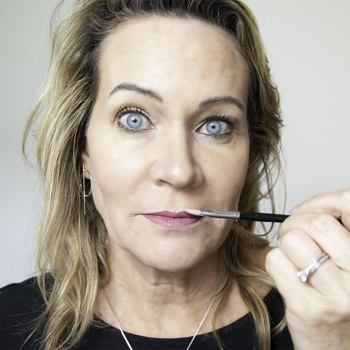 How to Stop Lipstick Bleeding into Lip Wrinkles and Smoker's Lines 17