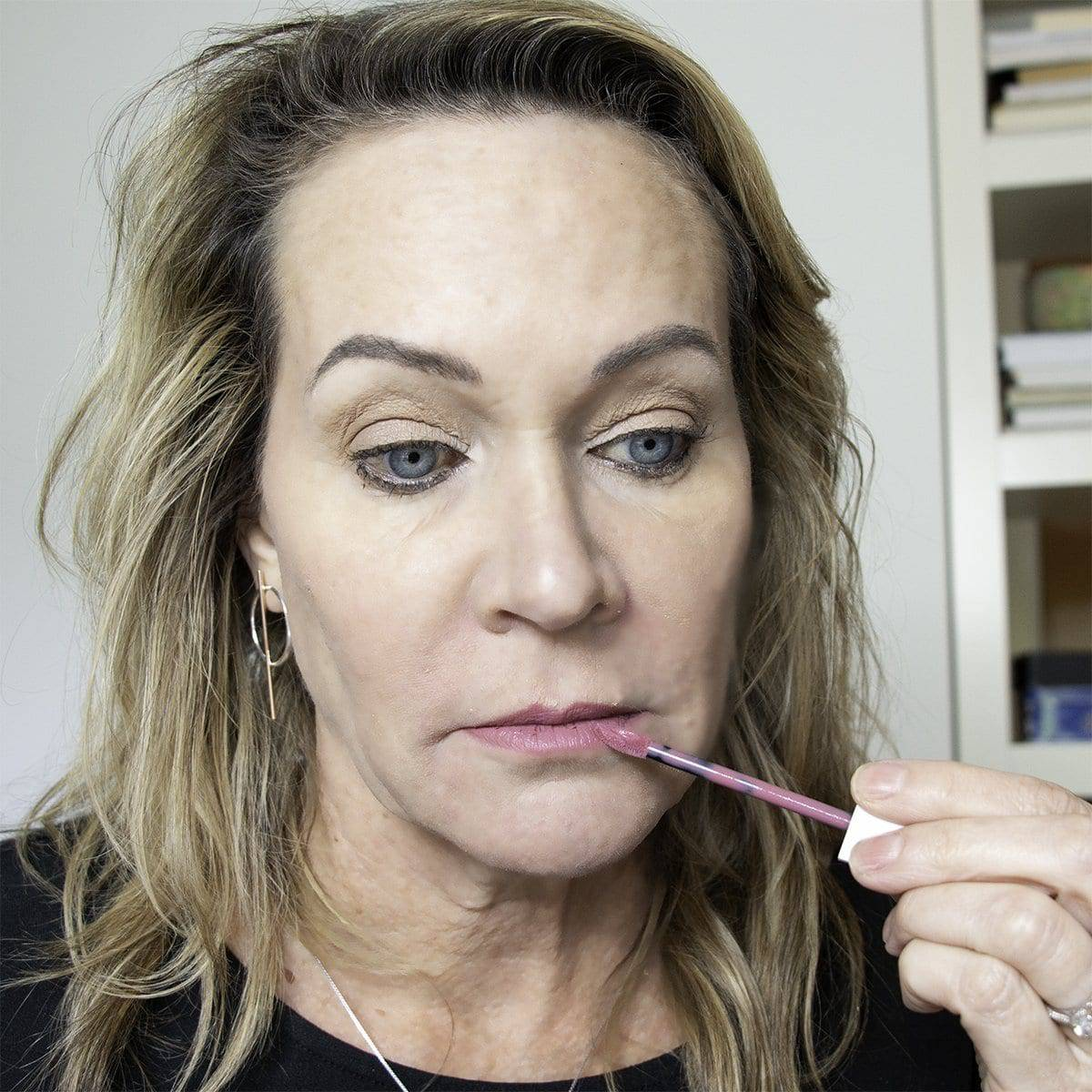 How to Stop Lipstick Bleeding into Lip Wrinkles and Smoker's Lines 13
