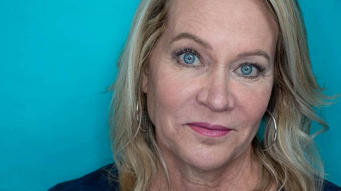 Step-by-Step Hooded Eye Makeup Tutorial That's Perfect for Women over 40 11