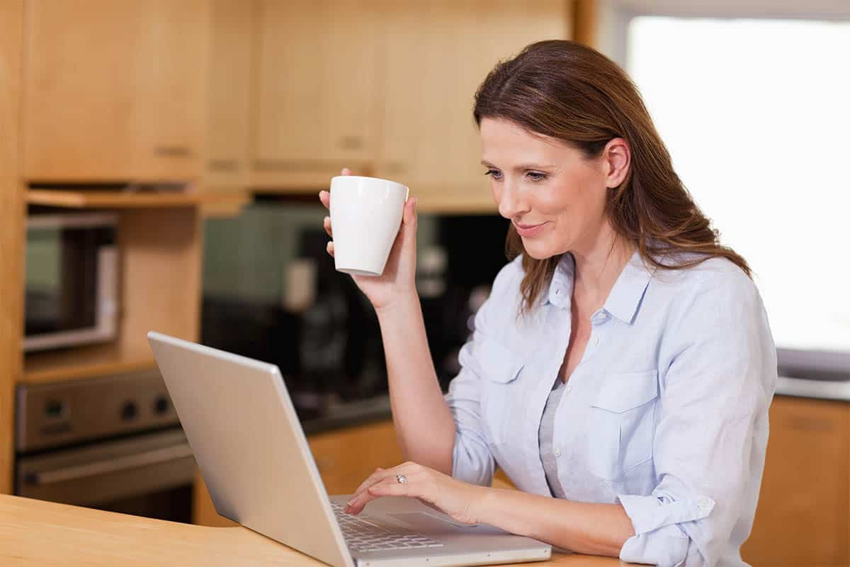 How to Succeed at Online Dating Over 40 8