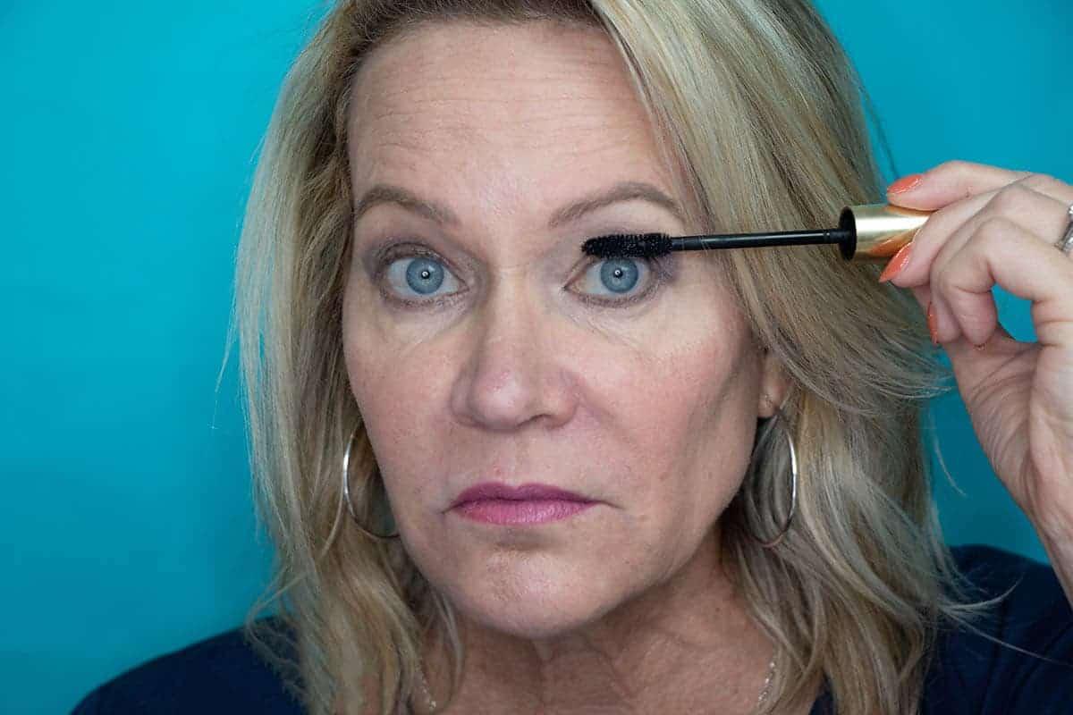 Easy One Eyeshadow Eye Makeup for Older Hooded Eyes 15