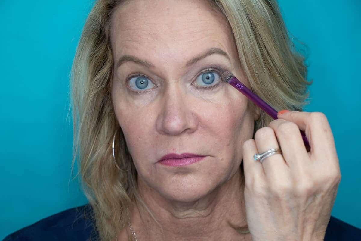 Easy One Eyeshadow Eye Makeup for Older Hooded Eyes 13