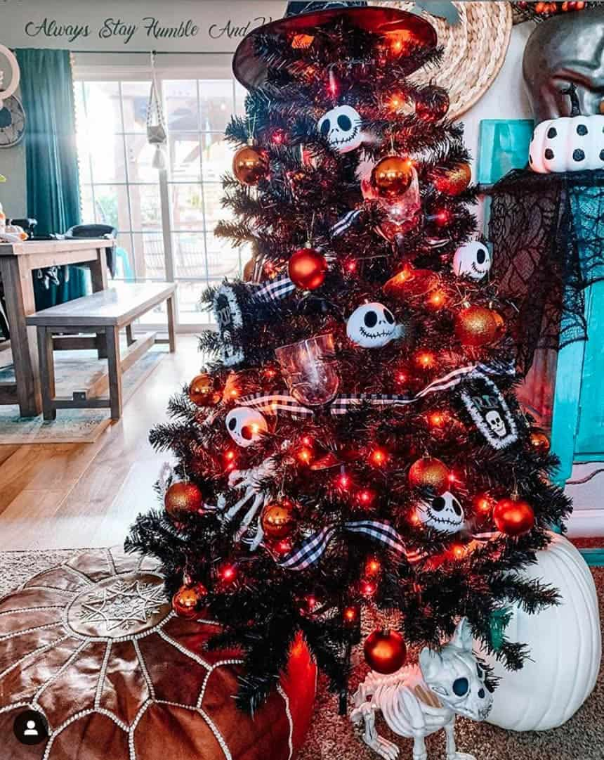 25 Halloween Trees that Will Convince You to Put Your Christmas Tree Up Today - Ribbon and Skull Halloween Tree